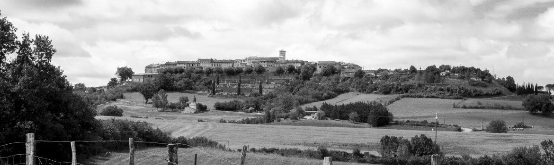 Castelnau-de-Montmiral-Le-Village-ciel-de-coton-©IsabelleFraysse